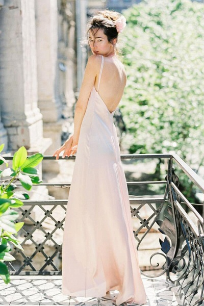 Graceful Floor Length Tulle A-line Wedding Dress_7