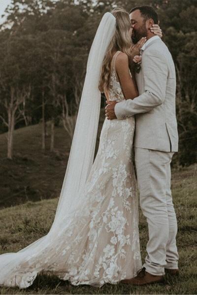 Affordable V-neck Court Train A-line Wedding Dress_5