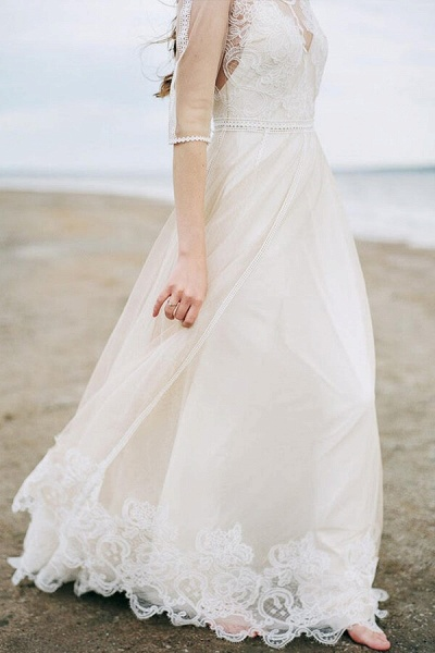 Latest Tulle A-line Sweep Train Wedding Dress_1