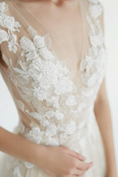 Latest V-neck Tulle A-line Wedding Dress_8