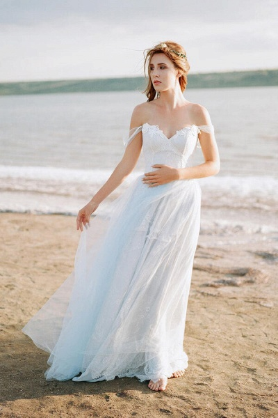 Elegant Court Train Lace Tulle Wedding Dress_1