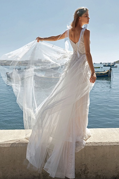 Awesome V-neck Appliques Tulle A-line Wedding Dress_3