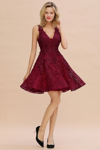 Princess V-neck Knee Length Lace Appliqued Homecoming Dress_19