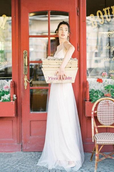 Graceful Floor Length Tulle A-line Wedding Dress_5