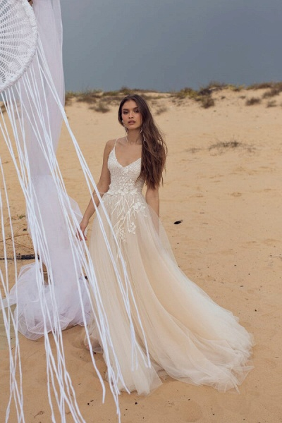 Awesome Spaghetti Strap Tulle A-line Wedding Dress_4