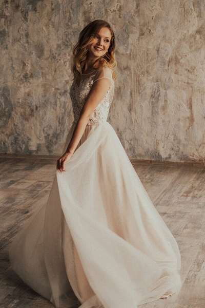 Elegant Appliques Tulle A-line Wedding Dress_3