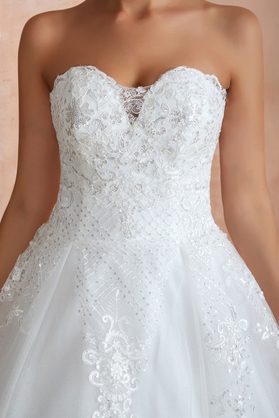 Stylish Strapless Appliques Tulle Wedding Dress_11