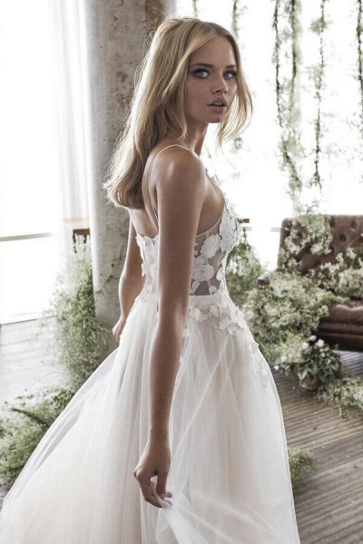 Floor Length Appliques Tulle A-line Wedding Dress_6