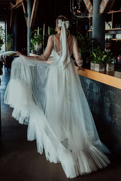 Modest Long Sleeve Tulle Chapel Train Wedding Dress_3