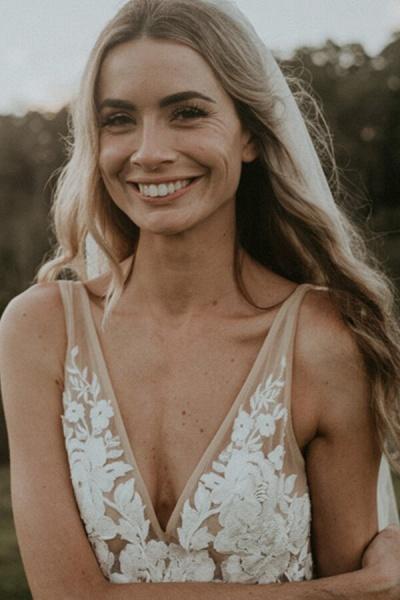 Affordable V-neck Court Train A-line Wedding Dress_6