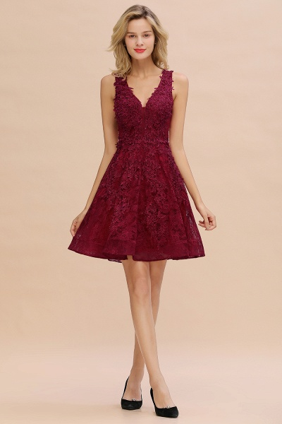 Princess V-neck Knee Length Lace Appliqued Homecoming Dress_17