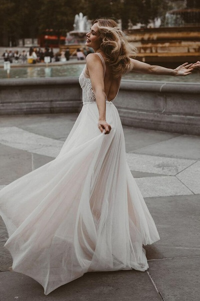 Awesome Open Back Tulle A-line Wedding Dress_5
