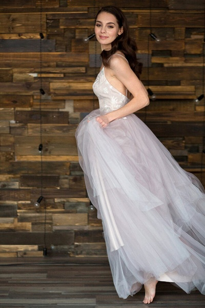 Spaghetti Strap Tulle Chapel Train Wedding Dress_5