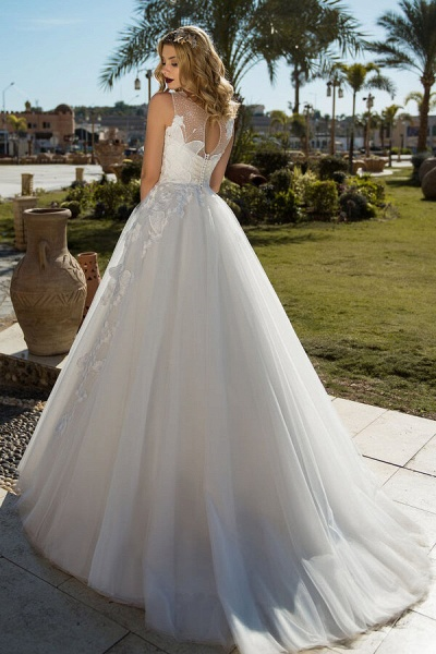 Elegant Appliques Tulle Ball Gown Wedding Dress_3