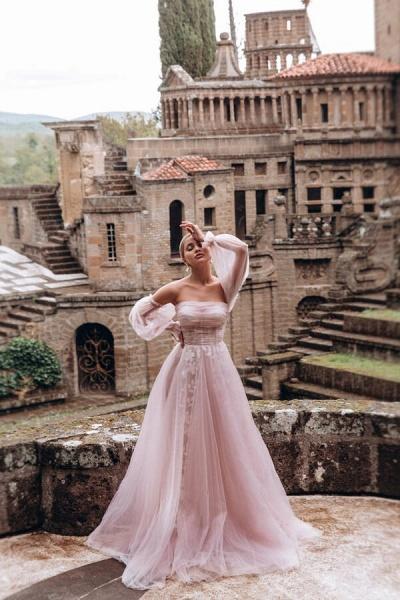Graceful Long Sleeve A-line Tulle Wedding Dress_1
