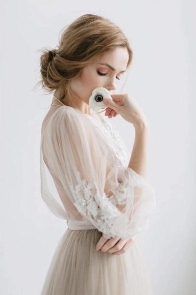 Graceful Appliques Long Sleeve Tulle Wedding Dress_8
