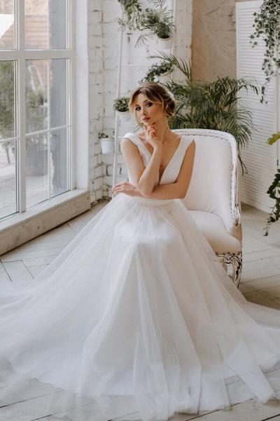 V-neck Chapel Train Tulle A-line Wedding Dress_1