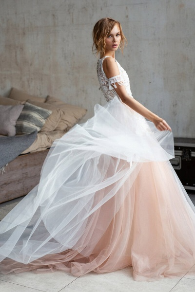 Cute Cold Shoulder A-line Tulle Wedding Dress_3