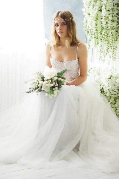 Best Spaghetti Strap Appliques Tulle Wedding Dress_8