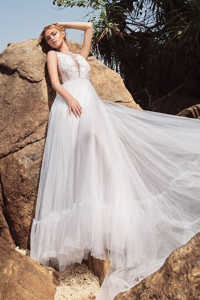 Eye-catching Appliques Tulle A-line Wedding Dress_1