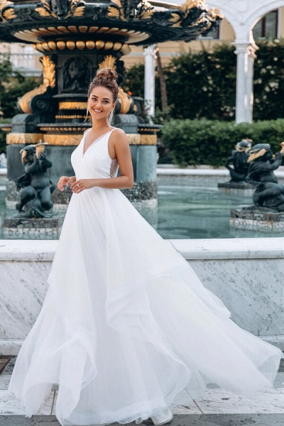 Awesome Open Back V-neck Tulle Wedding Dress_1
