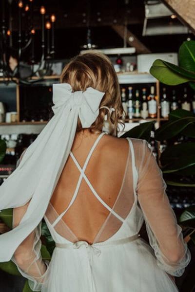Modest Long Sleeve Tulle Chapel Train Wedding Dress_8
