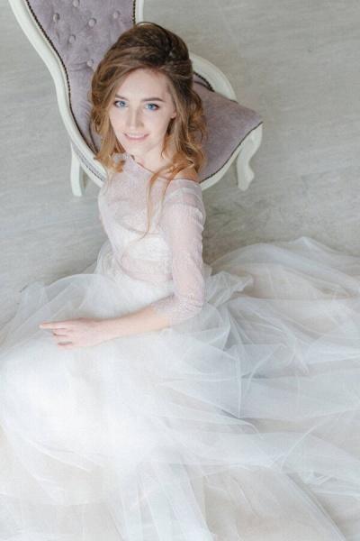 Amazing Sheer Lace Tulle Floor Length Wedding Dress_5