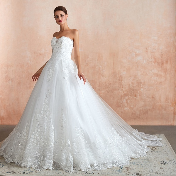 Stylish Strapless Appliques Tulle Wedding Dress_4