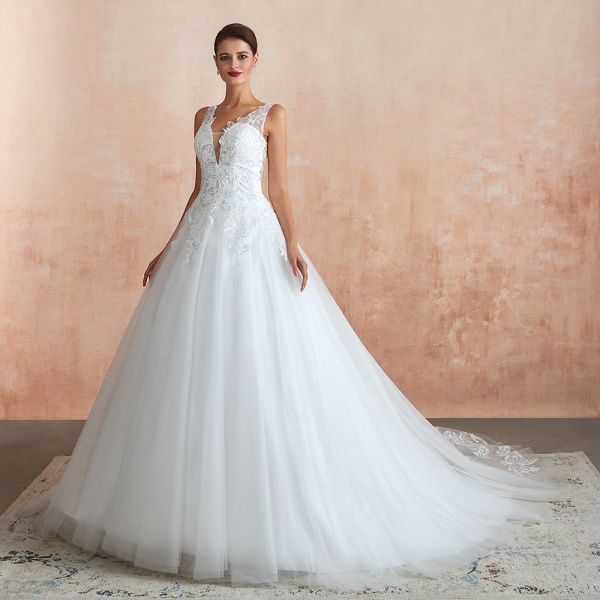 Exquisite Appliques Tulle A-line Wedding Dress_4