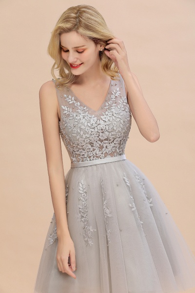 Sexy V-neck Lace-up Short Homecoming Dress with Lace Appliques_14