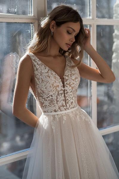 Graceful Applique Tulle A-line Wedding Dress_4