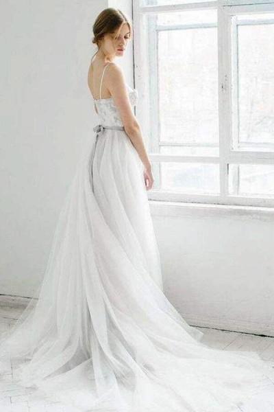 Best Spaghetti Strap Appliques Tulle Wedding Dress_4