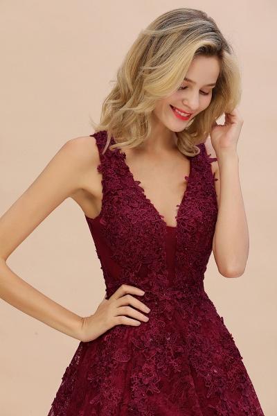 Princess V-neck Knee Length Lace Appliqued Homecoming Dress_8