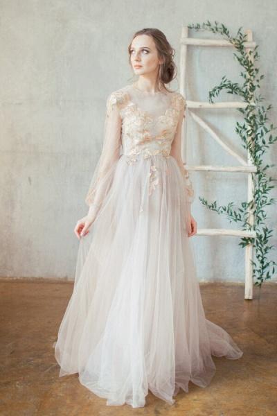 Elegant Long Sleeve Appliques Tulle Wedding Dress_1