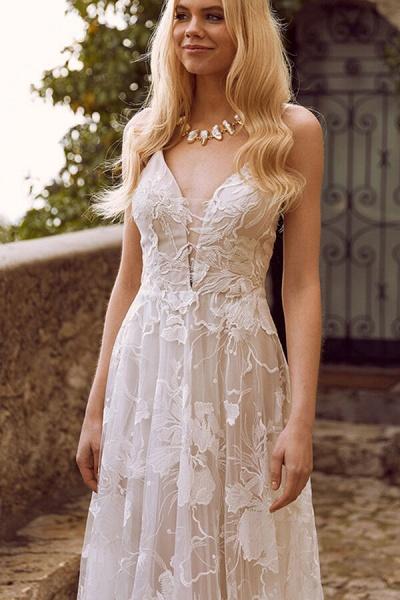 V-neck Spaghetti Strap A-line Tulle Wedding Dress_5