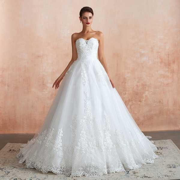 Stylish Strapless Appliques Tulle Wedding Dress_5