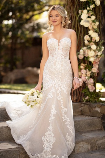 Strapless Tulle Chapel Train Mermaid Wedding Dress_1
