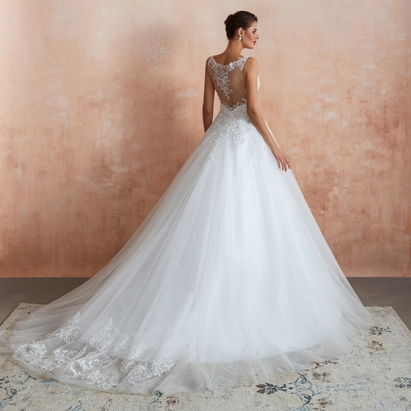 Exquisite Appliques Tulle A-line Wedding Dress_8