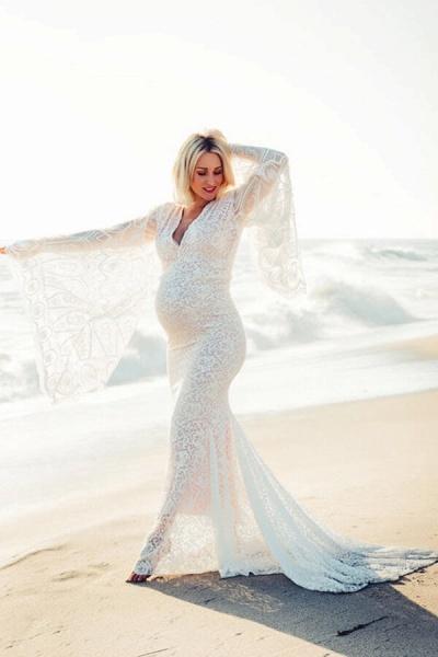 Graceful Long Sleeve V-neck Lace Wedding Dress_7