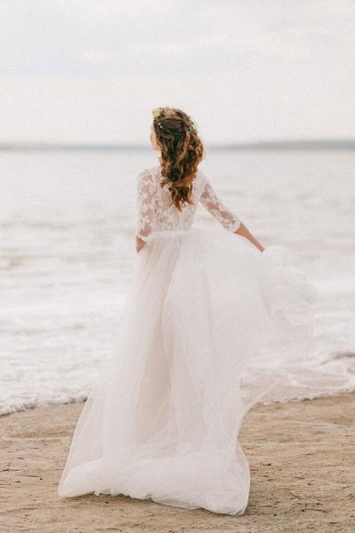 Modest V-neck Lace A-line Tulle Wedding Dress_3