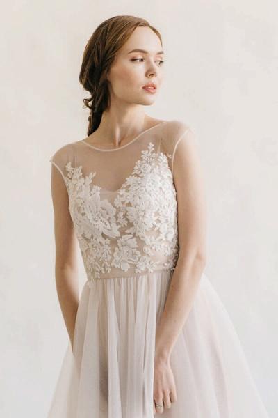 Elegant Appliques Tulle A-line Wedding Dress_6