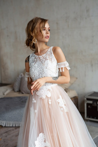 Cute Cold Shoulder A-line Tulle Wedding Dress_5