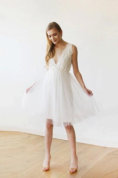 V-neck Lace Tulle Knee Length Wedding Dress_1