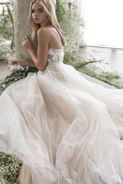 Floor Length Appliques Tulle A-line Wedding Dress_4