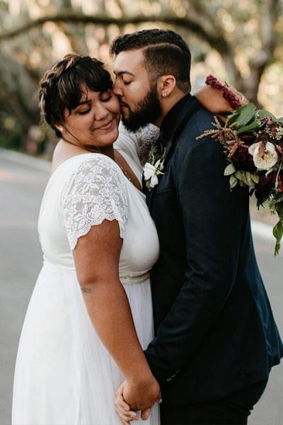 V-neck Short Sleeve Lace Tulle A-line Wedding Dress_7