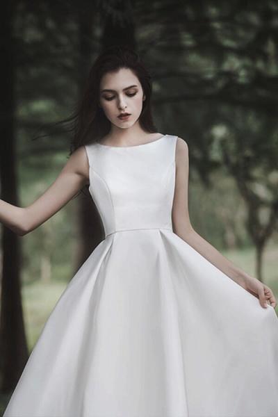 Graceful Satin A-line Wedding Dress_10