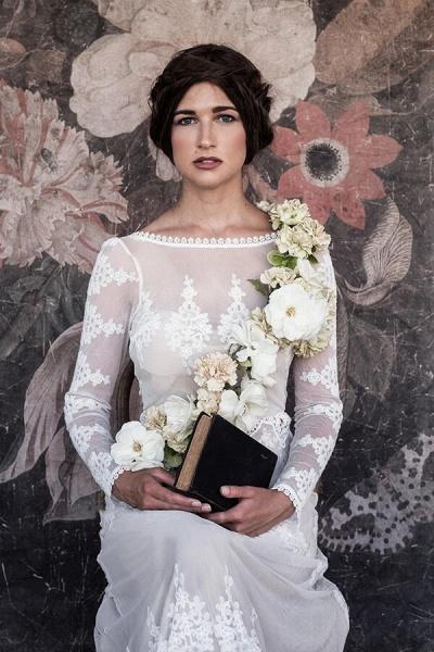 Open Back Long Sleeve Lace Sheath Wedding Dress_5