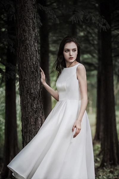 Graceful Satin A-line Wedding Dress_11