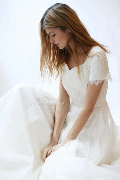 Modest Short Sleeve Lace Tulle A-line Wedding Dress_5