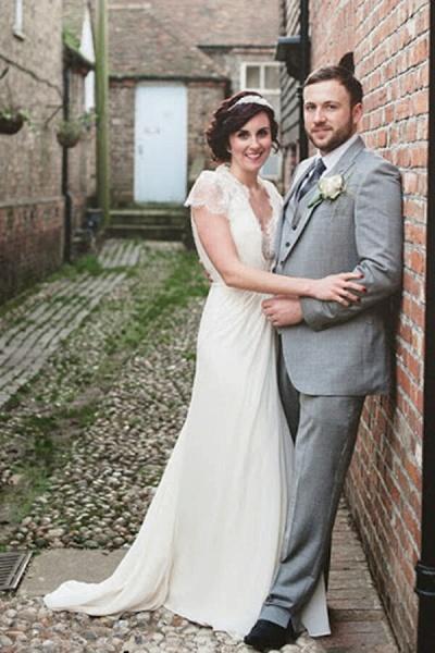 Cap Sleeve Ruffle Lace Chiffon Sheath Wedding Dress_1